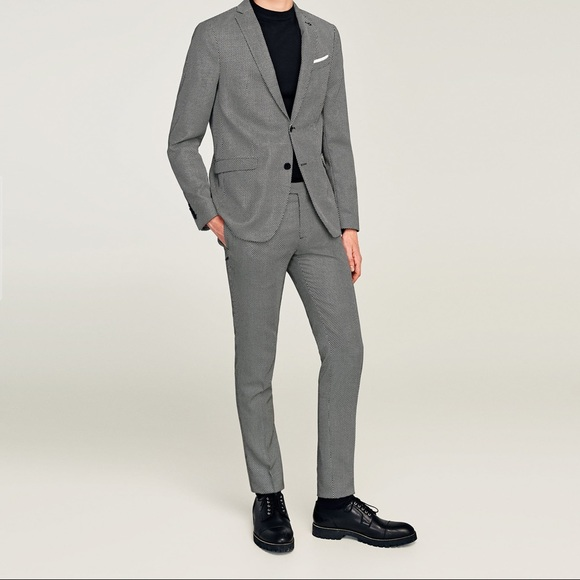 on sale dbdda 35d31 Zara s Mens Black   White slim fit suit